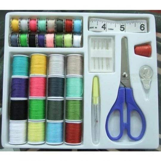 Fenici - 42 Piece Sewing Kit
